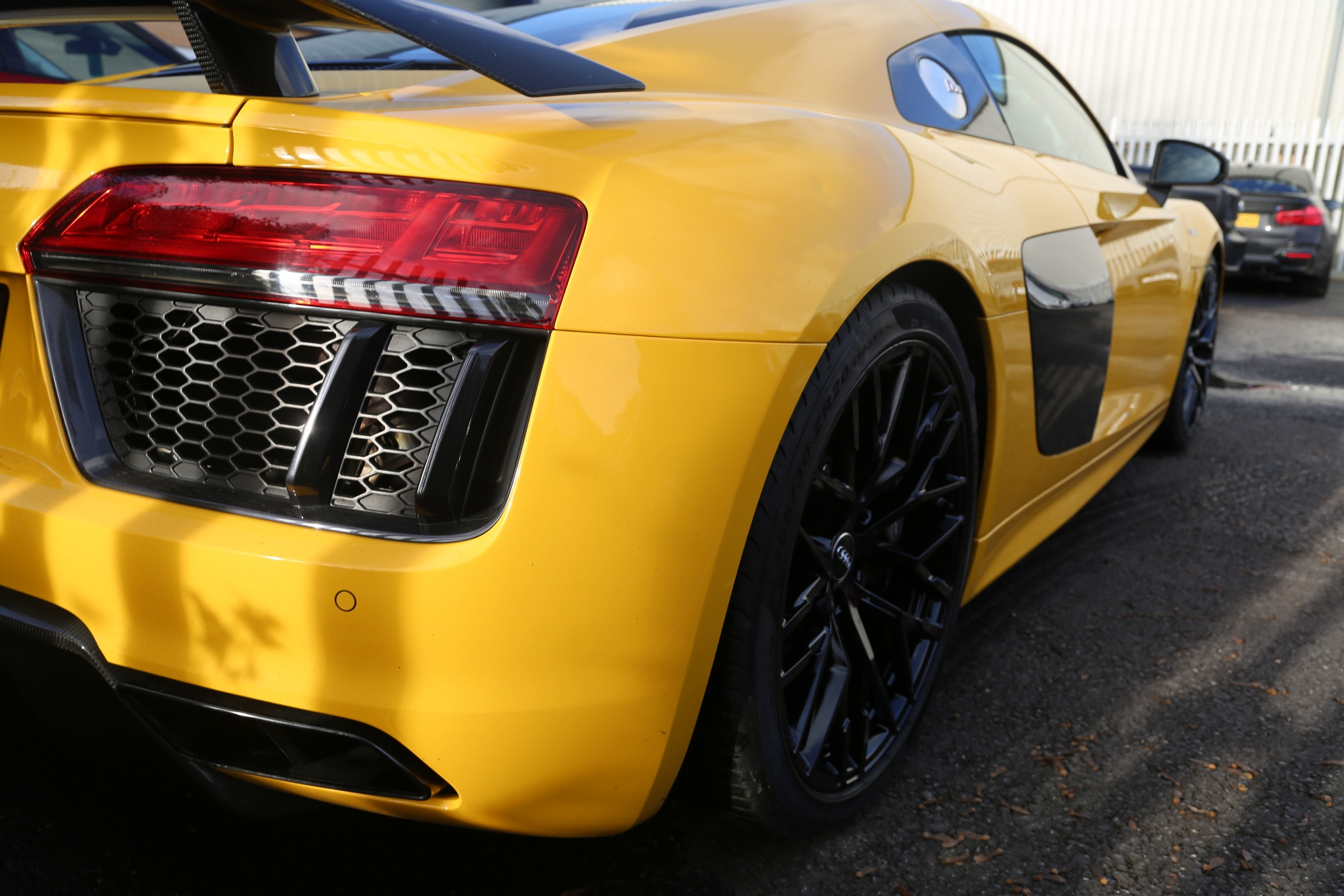 diamond cut huddersfield audi r8 black wheels 2